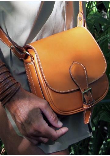 La gibecière de chasse en cuir petit modèle