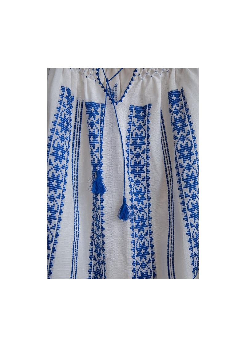 La blouse roumaine traditionnel
