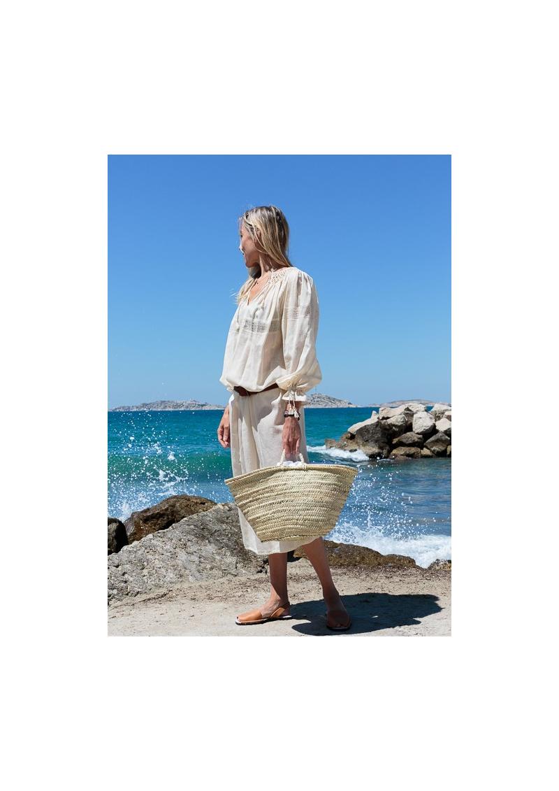 La robe-blouse roumaine écrue