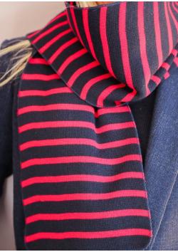 L'écharpe rayée en laine du marin