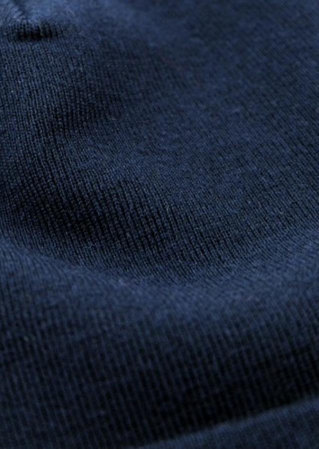 L'écharpe unie en laine du marin