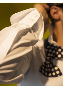 La Reine anglaise des chemises blanches, la Dr No