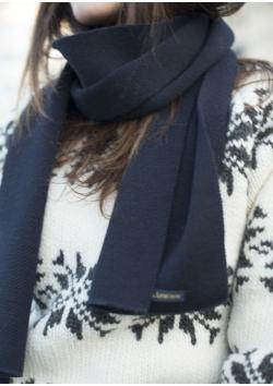 Breton navy blue woolen scarf