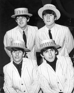 Beatles en canotiers