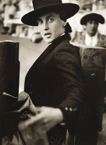 deToujours - Conchita en chapeau andalou