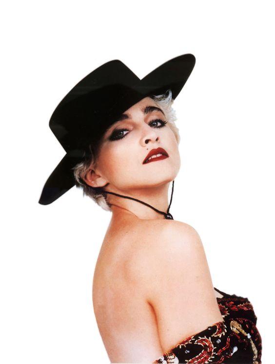 deToujours - Madonna en chapeau andalou