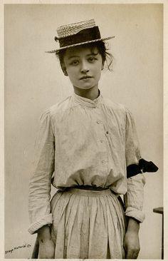 Coco Chanel en canotier